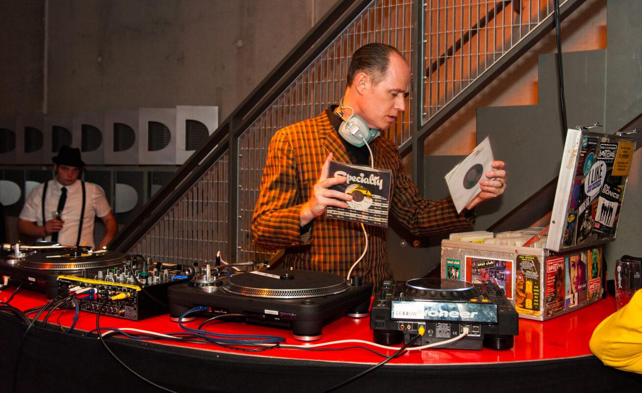Radio Modern Retro Fifites Ball 10-05-2013 - Gebouw-T - Bergen op Zoom - (C)2013 Raymond Koek Photography - https://www.koek.cc